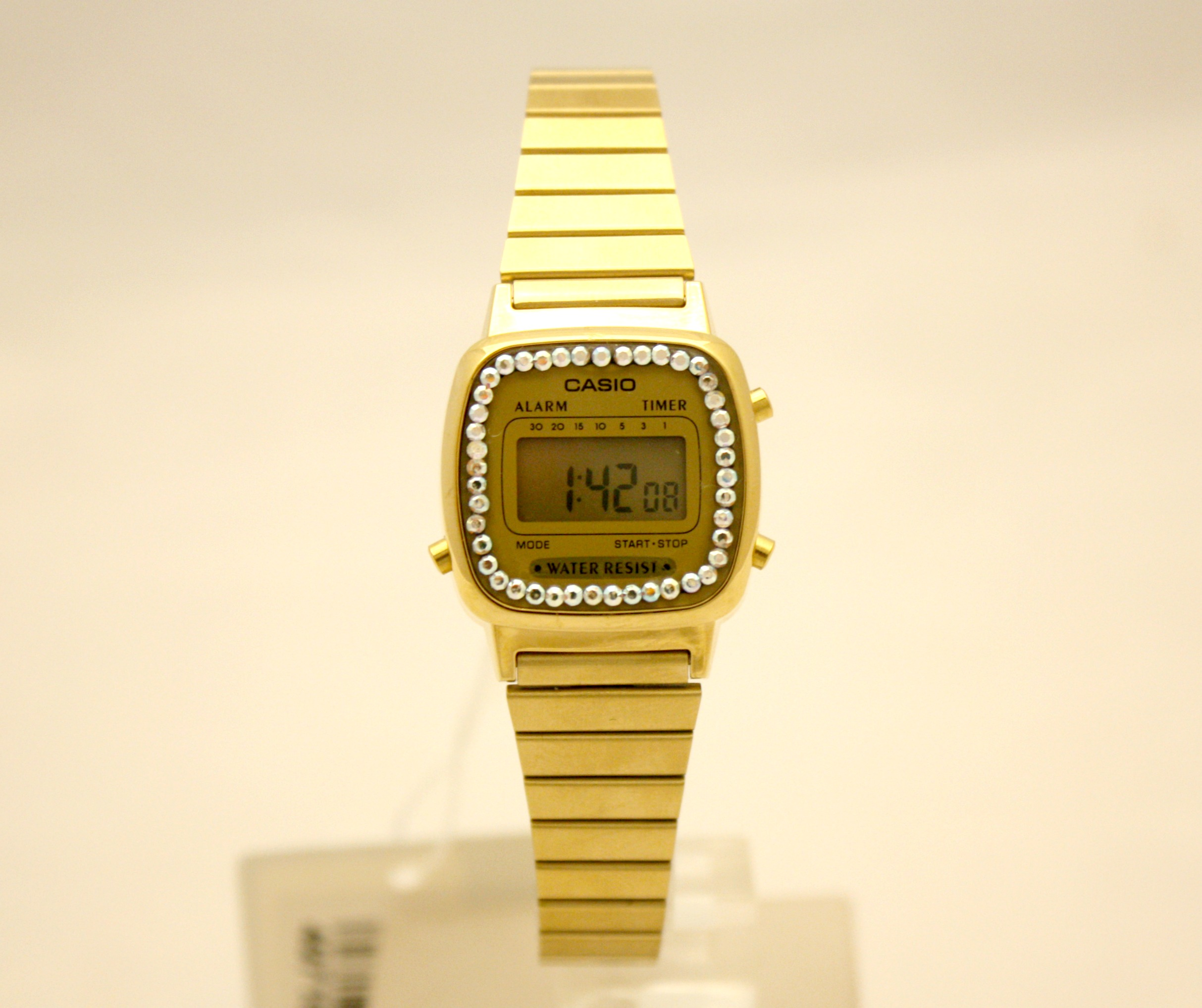 818872e44d32 Orologio donna Casio ref. 3191 LA670WGA-9DF dorato personalizzato con  cristalli swarovski – novità esclusiva Gioielleria Rizzo!