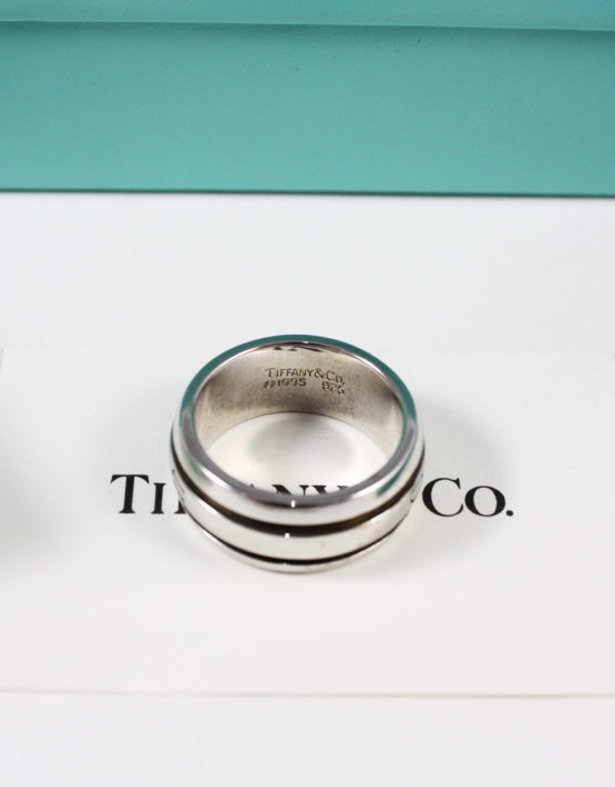 aspetto dettagliato 34f55 250f7 Anello Tiffany & Co Argento. Fascia 1995 Size 16/17