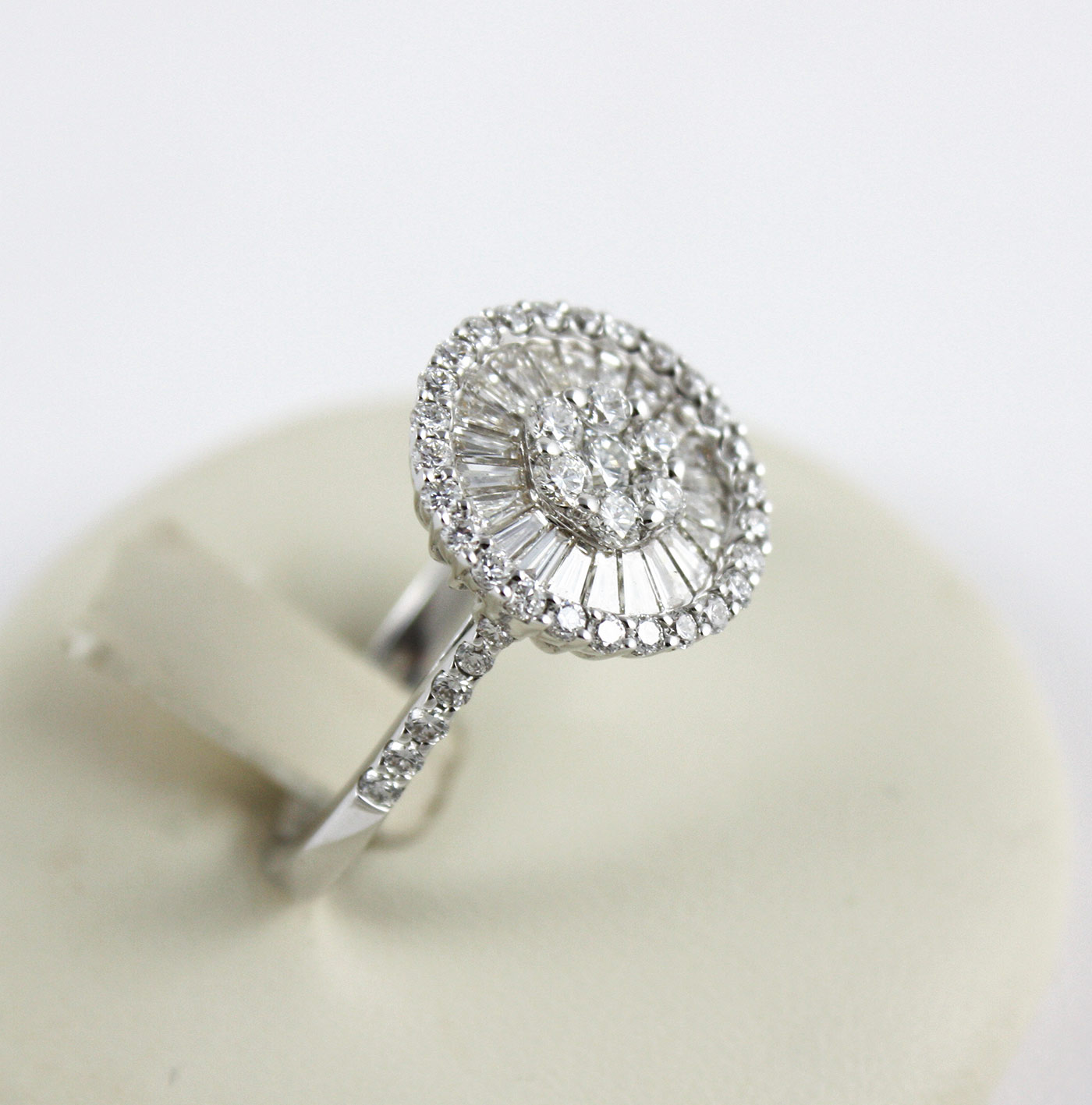 Diamante dating UK