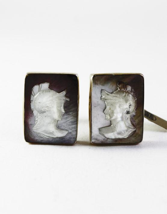 Gemelli-in-argento-dorato-800-con-cabochon-cammeo-rettangolare-in-madreperla-1